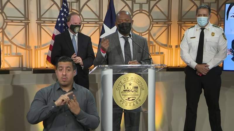Houston Mayor Sylvester Turner speaks during a news conference at City Hall on Dec. 3, 2020.