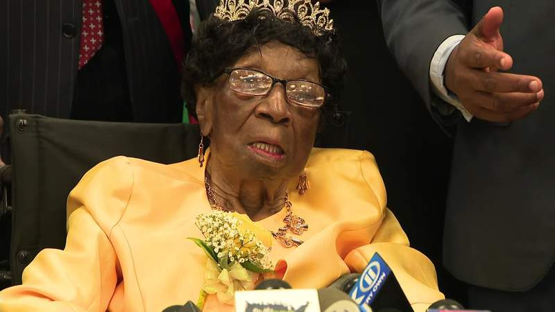 Alelia Murphy, a 114-year-old former seamstress who'd been recognized as the oldest living American, has died.