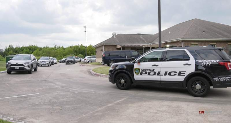 The Houston Police Department is investigating an apparent murder-suicide Sunday afternoon at a rehabilitation center.