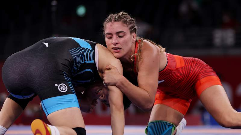 Helen Maroulis of Team USA competes against Ningning Rong of China during the Women's Freestyle 57kg 1/8 Final on day twelve of the Tokyo 2020 Olympic Games at Makuhari Messe Hall on August 04, 2021 in Chiba, Japan. (Photo by Maddie Meyer/Getty Images)