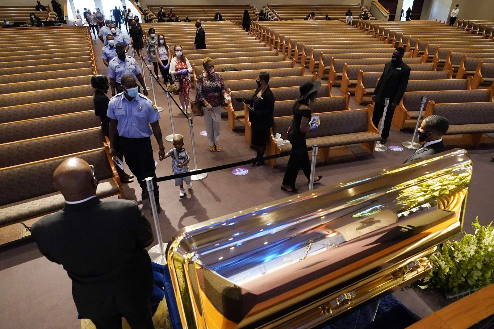 George Floyd's memorial: Mourners take to social media to express ...
