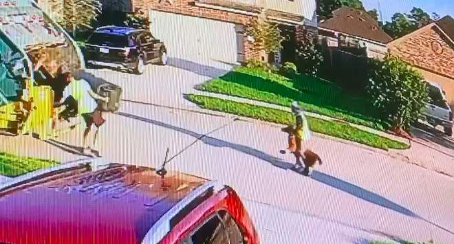 Houston-area mom captures hilarious video of worker taking toy pony for a ride during trash pick up