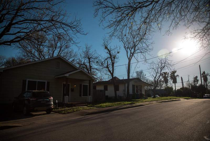 The Texas Department of Housing and Community Affairs expects that 80,000 households could benefit from a new rental assistance program. (Credit: Shelby Knowles for The Texas Tribune)