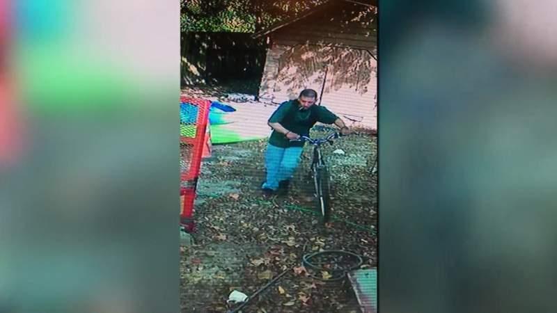 GF Default - Surveillance video shows Baytown couple chase down man stealing son?s bike
