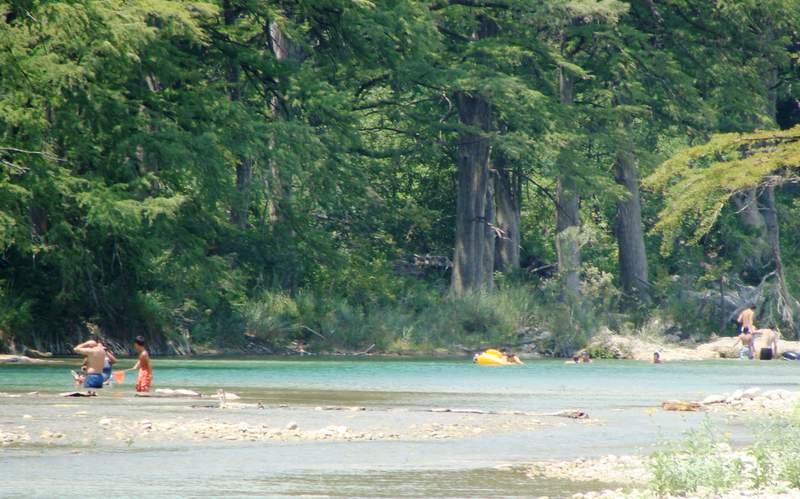 The Frio River in Garner State Park. Image by Zereshk.