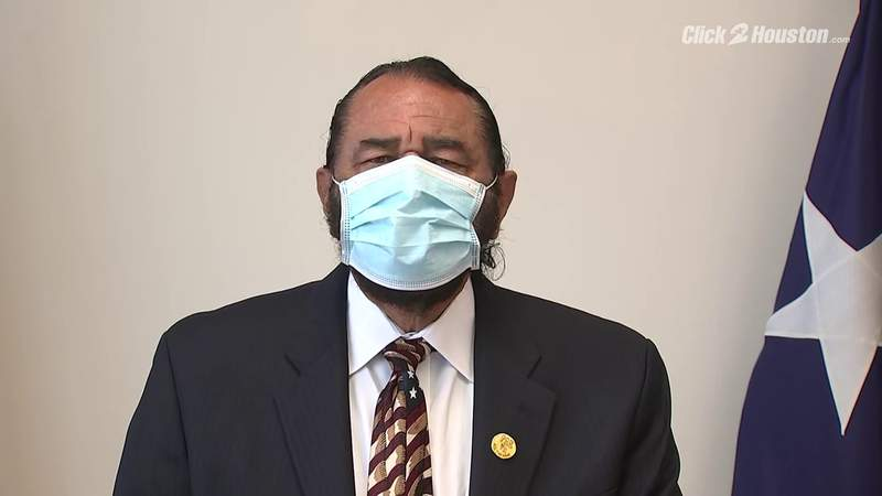 Rep. Al Green discusses flight experience in call for penalty notice for disruptive plane passengers
