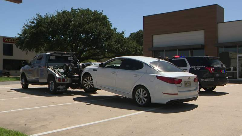 Two suspects are in custody after Houston police responded to a reported assault and one suspect fled the scene on Sept. 29, 2020.