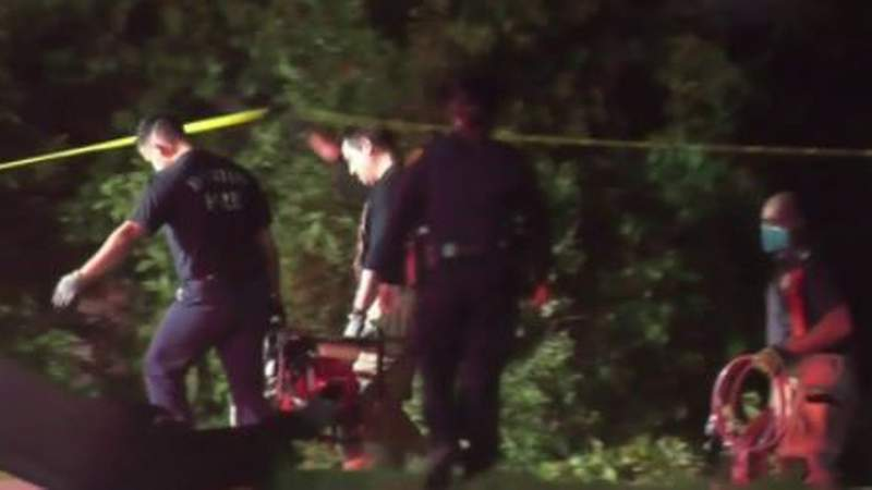 Man killed after car falls into embankment in southeast Houston, police say