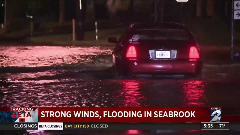 Strong winds, flooding in Seabrook