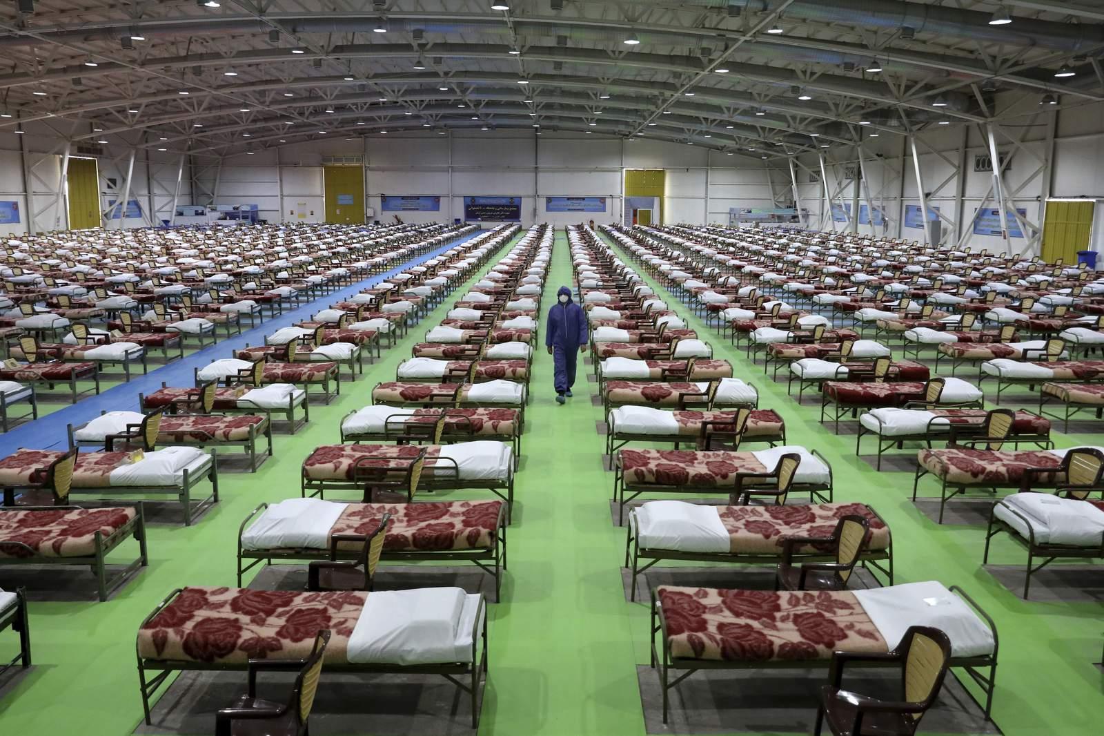 El ejército de Irán establece un hospital en la capital afectada por virus 4