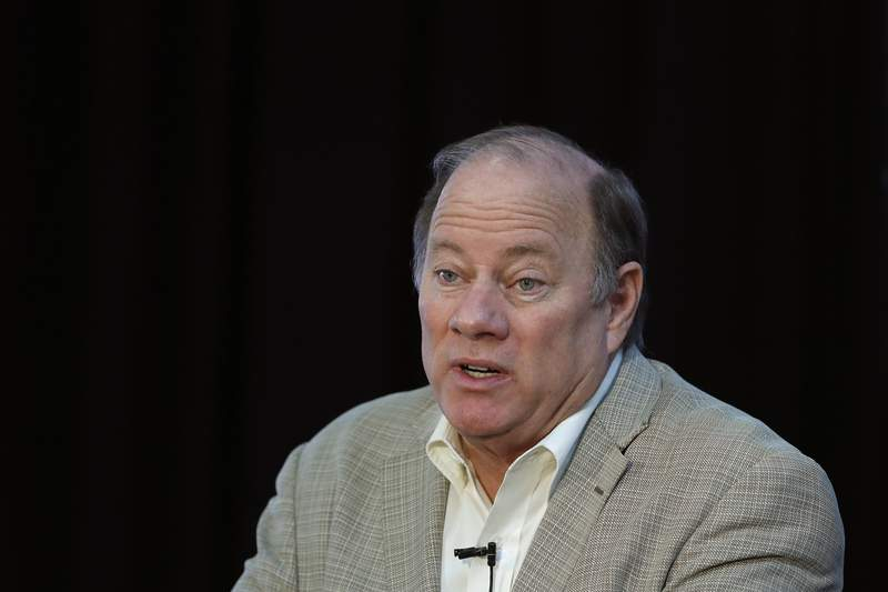 """FILE - In this April 23, 2020, file photo, Detroit Mayor Mike Duggan speaks in Detroit. Mayor Duggan this week turned down 6,200 doses of the newly authorized Johnson & Johnson coronavirus vaccine, with favoring shots from Pfizer and Moderna for now. """"Johnson & Johnson is a very good vaccine. Moderna and Pfizer are the best,"""" he said Thursday, March 4, 2021. """"And I am going to do everything I can to make sure that residents of the city of Detroit get the best."""" (AP Photo/Carlos Osorio, File)"""