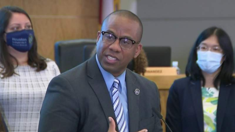 HISD names lone finalist for superintendent