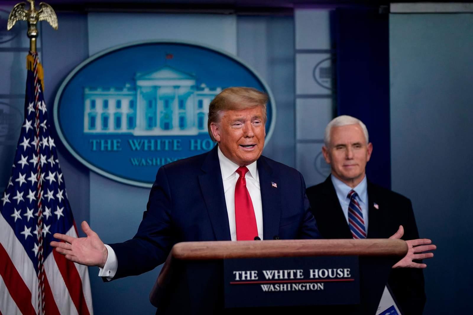"""La Casa Blanca dice que cualquier persona """"cercana"""" a Trump o Pence se hará una prueba rápida de virus 38"""