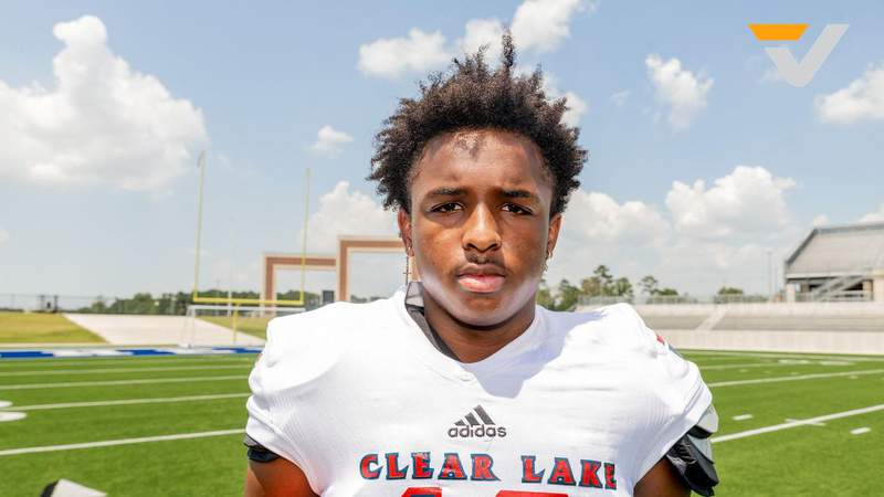 VYPE Houston 2022 Offensive Football Recruit of the Year Fan Poll