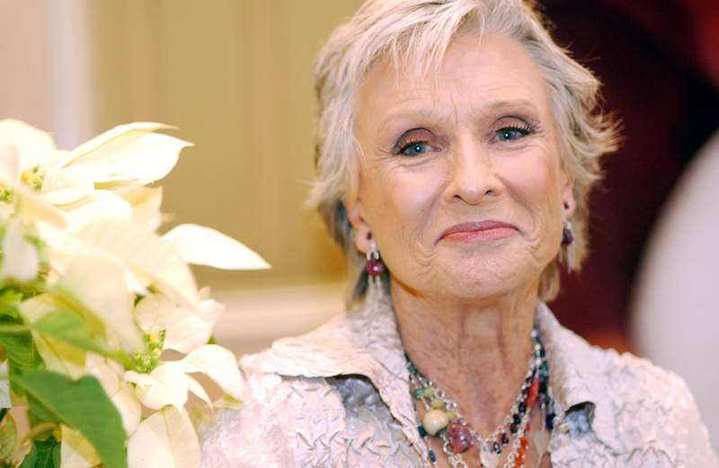"""Cloris Leachman during """"Spanglish"""" Press Conference with Adam Sandler, Tea Leoni, James L. Brooks, Paz Vega and Cloris Leachman at Four Seasons Hotel in Los Angeles, California, United States. (Photo by Vera Anderson/WireImage)"""