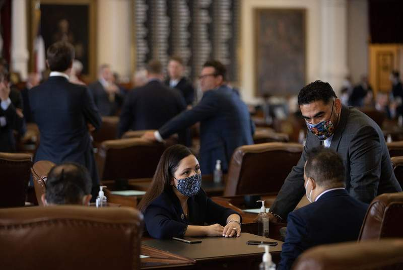From left: Houston democratic state Reps. Ana Hernandez, Garnet Coleman, and Armando Lucio Walle on the House floor on Aug. 23, 2021