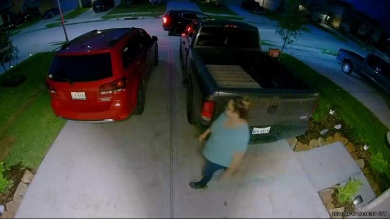 Ring video shows missing mother of 3 outside sister-in-law's house night before disappearance