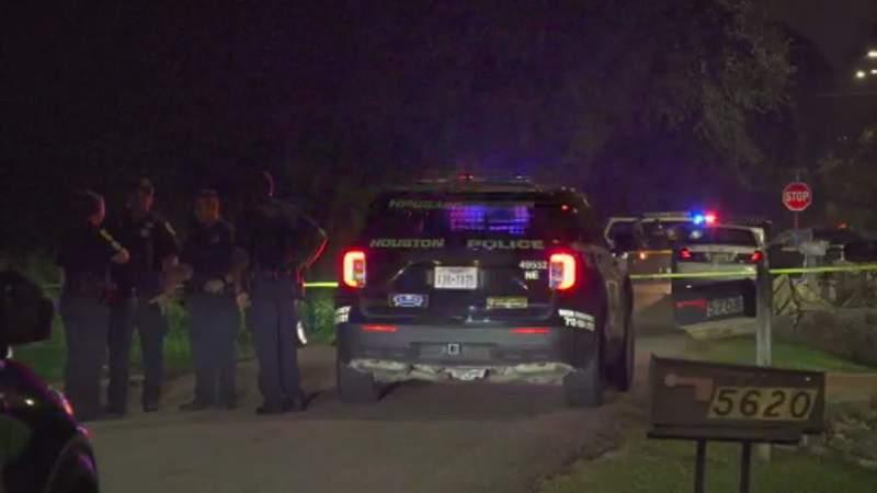 HPD: Man found shot to death inside car in NE Houston