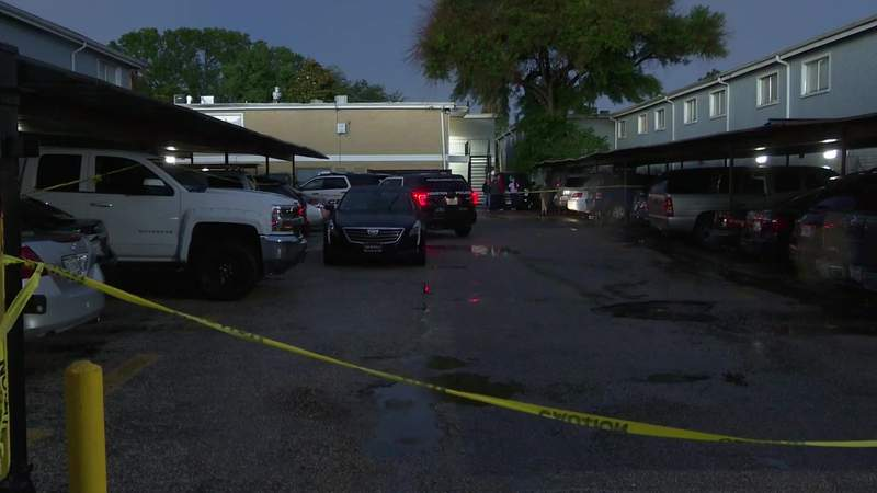3 men shot and killed in apparent home invasion in Spring Branch