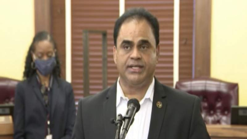 Fort Bend County judge raises COVID-19 alert level to red