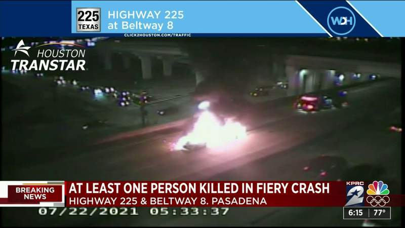 2 cars engulfed in flames after deadly crash on Highway 225 near Beltway 8 in Pasadena, officials say