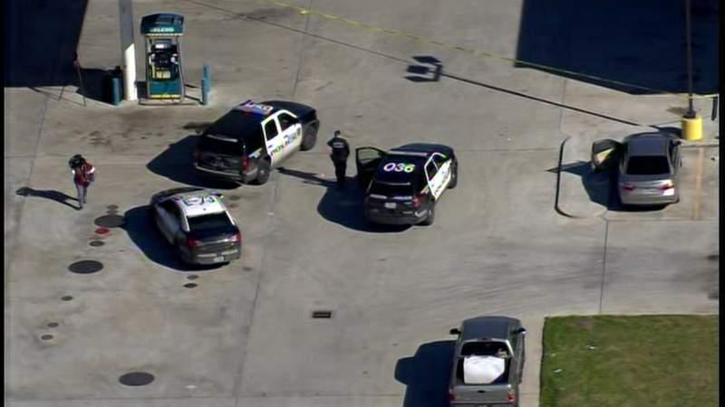 Houston police investigate shooting at Valero gas station on Crosstimbers Street.